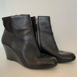 Michael Kors black leather wedge bootie EUC